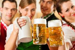 开工啦,聚餐啦,喝喝喝!小聚会竟搞出人命?怎么喝酒才不伤肝?
