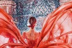 当她穿上裙子,全世界都惊艳了
