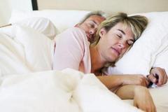 """生完孩子后,小两口想避孕,若丈夫能用""""这种"""",或许他很爱你"""