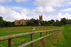 早春的一次徒步——在青翠的英国田园间