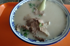高唐老豆腐和全羊汤两种快餐能不能一起卖?以后成为快餐店了么?