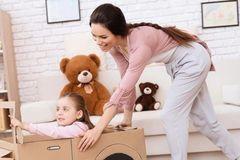 别再瞎买啦~你家的玩具不是不够,而是太多~