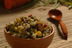 这碗饭 名为「橄榄菜四季豆肉丁蛋炒饭」