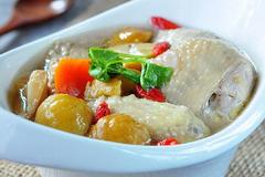 教你做栗子南杏鲜鸡汤, 汤浓味美超好吃, 关键做法还简单!