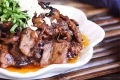家常下饭菜,肉片烧茄子,好吃又下饭!