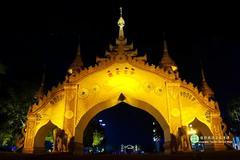 【城市之间】芒市灯火璀璨夜广场