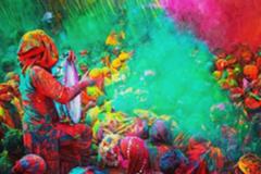 """如果你跟TA有""""仇"""",就带TA去印度参加胡里节吧!"""