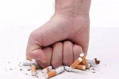 中外学者最新研究证实: 戒烟,可能会变胖但却能让人活得更长!