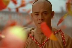 是兄弟就让一条路给我走,否则别怪我刀剑无情,当年的李连杰太帅
