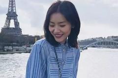 今年早春穿刘雯的条纹衬衫,经典又时尚!