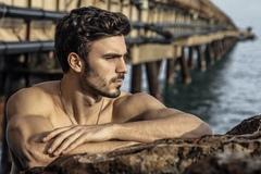 天生孔雀眼|追求美国梦,不甘小城镇生活的马德里男模——Christian Balic