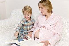 怀孕中期,孕妇在这几件事上要多留意,关乎胎儿发育