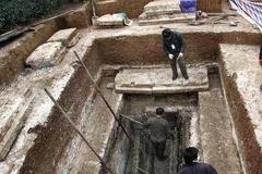 被后人唾骂的秦桧墓葬,被考古人员发掘时,顿时让人不淡定了