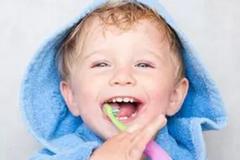 想要孩子有一口漂亮牙齿,从2岁开始学习刷牙!