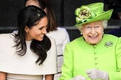 专家称女王对梅根的喜爱是逢场作戏,脸上带着假笑内心并不喜欢!
