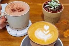 每日一咖-澳白&热巧,味道超级香醇,喝杯咖啡看一下午的书~