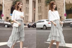 今年很流行的碎花半身裙,搭配白色t恤,穿上小清新显气质!