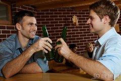 爱喝酒的人,是怎么得肝病的?三个原因说明白了