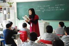老师工资不高,但考老师的人却很多,为什么?原来是因为这4点!