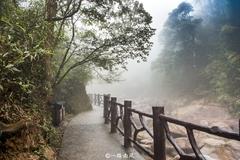 湖南林公园而蟒蛇出没而得名,雾气朦胧似秘境!