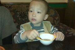 """儿科医生:孩子不到3岁,别碰这三个""""养娃汤"""",伤及脾胃还积食"""