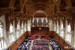 英国布鲁斯托大学毕业典礼详情