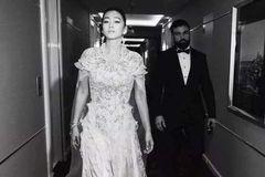 巩俐再嫁71岁音乐巨咖, 陈婷晒18岁儿子照片: 中国女人的两种极致人生