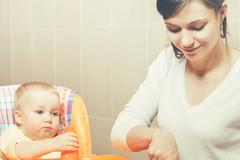 宝宝出现这3个表现,说明营养不良,再不补救可能影响脑部发育