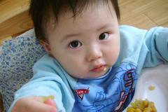 忠告:孩子入睡前,宁肯饿着也不能吃这4种食物,容易积食不长个