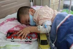 为何越来越多孩子患白血病?医生:身边这3样东西是根源,不能留