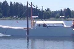 像折纸一样的船,6米变15米,老外真是太会玩了