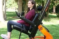 世界上功能最多的椅子,升降平躺轻松完成,还可以步态康复治疗