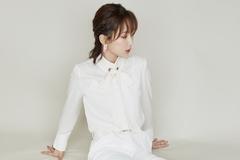 简约女孩穿搭范本:单色调穿搭才是王道,看杨紫如果演绎轻熟女!