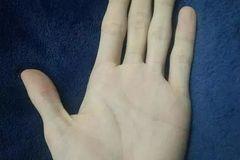 测试:4只手,哪只最像你?测你的爱情运和事业运谁更旺?