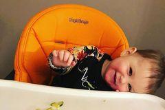 宝宝吃饭离不开专门的儿童餐椅,知道以下原则,再也不入坑