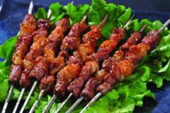 老北京烤羊肉串火爆30年,日卖4000串,排队排到怀疑人生