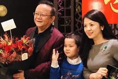 他主持过3次春晚,三婚娶小20岁老婆,如今过得比张国立还幸福