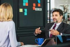 """作为领导,如何圆滑地给员工""""画大饼""""?以下两个误区一定要避免"""