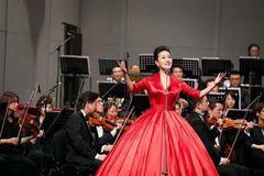 贾磊《献给祖国的歌》深圳个人演唱会演唱70年经典