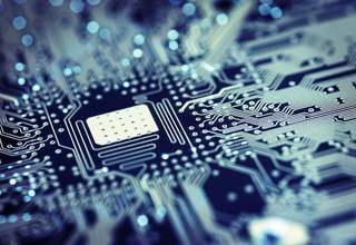 """全球芯片市场上,""""两强之争""""已打响——"""