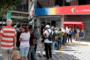 CNN记者亲历委内瑞拉银行取钱难:4小时取出6美分