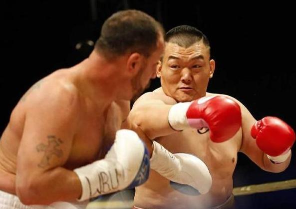 国际拳联挺张君龙重量级,抛弃邹市明熊朝忠小级别
