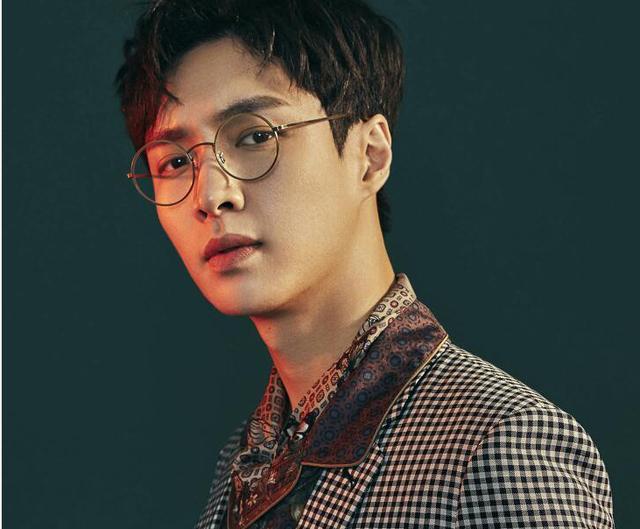 搜狐公众平台 - 戴眼镜的男明星谁最帅?沉迷于