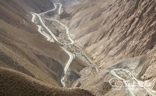 世界上海拔最高的公路