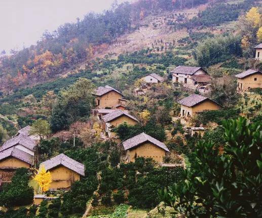 百丈悬崖上的中国古村落,带着与世隔绝的神秘莫测