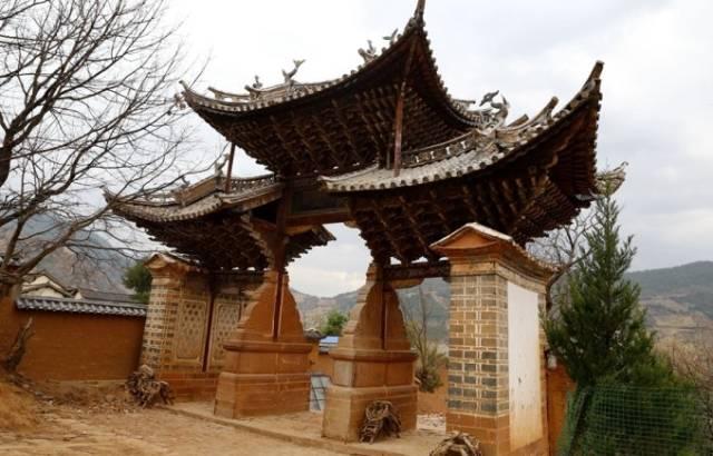 州布衣阁_《舌尖上的中国》也为之倾倒,传承千年的云南白村