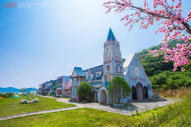 浙江花50亿打造华东最大的旅游小镇,如今成了这样