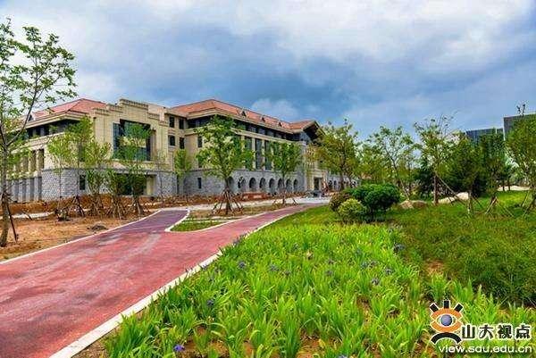 山东只有三所211大学, 其中两个半在青岛图片