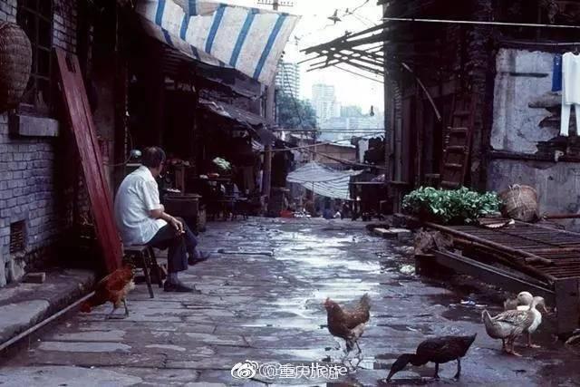 90年代的山城重庆老照片 每一张都像电影讲述回忆图片