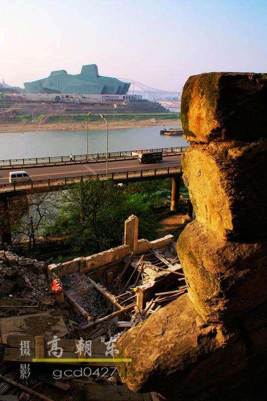 """一张展示了重庆""""过去""""""""现在""""""""未来""""的老照片"""